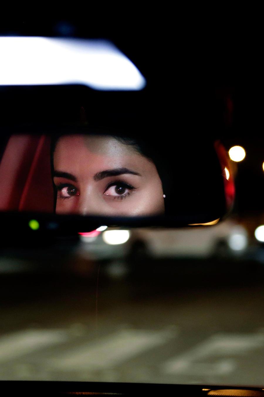 Una mujer al volante en Arabia Saudí