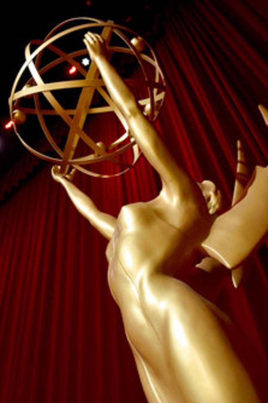 Foto de archivo de una estatuilla de los premios Emmy