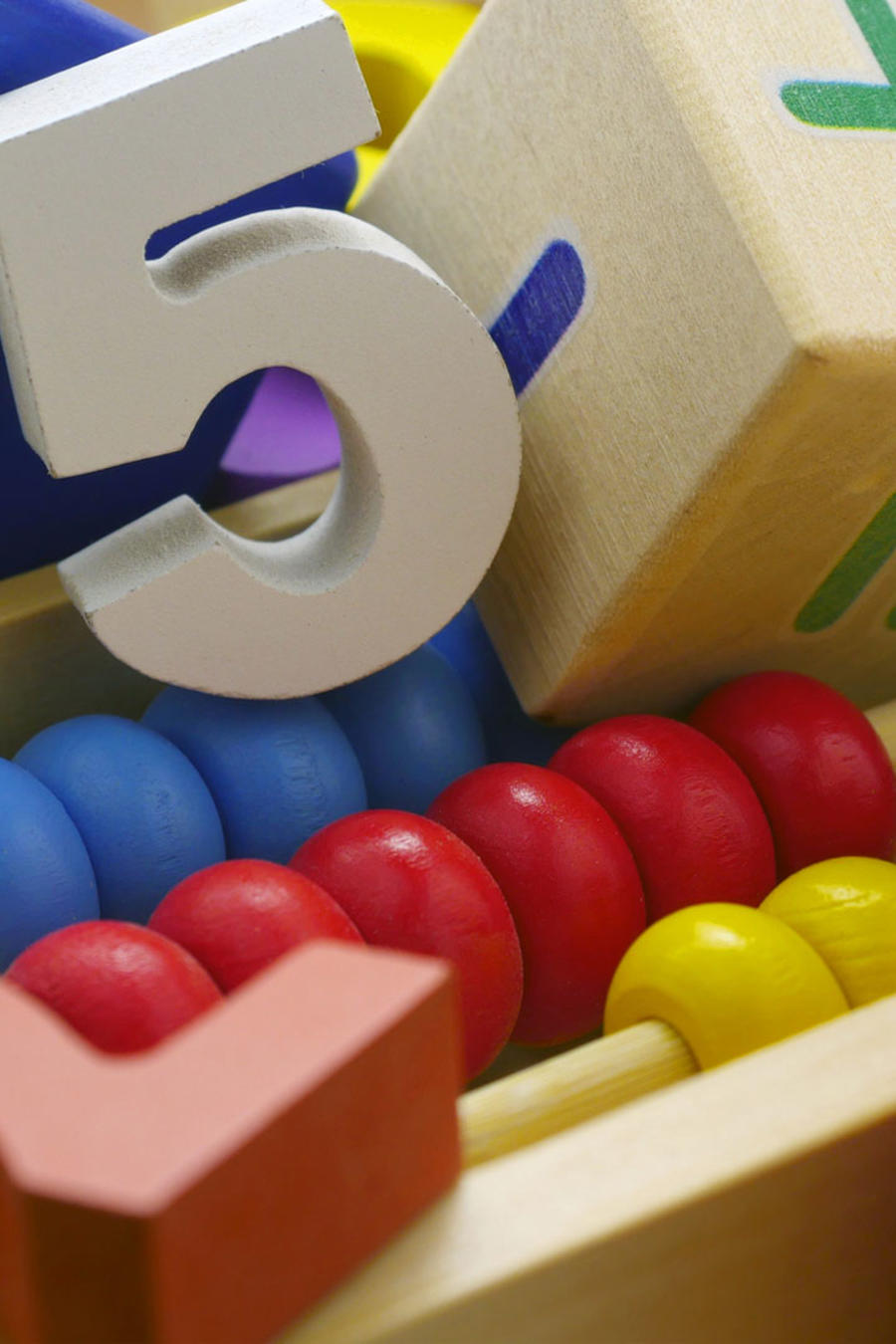 Juguetes de madera con números