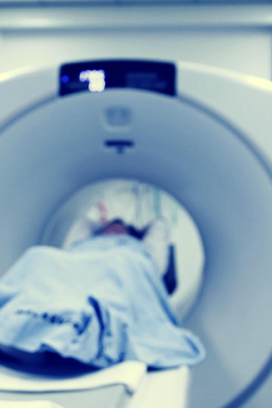 La madre de cuatro niños, sufrió un ataque cardíaco fatal cuando salió mal una prueba de rutina el 30 de octubre de 2013