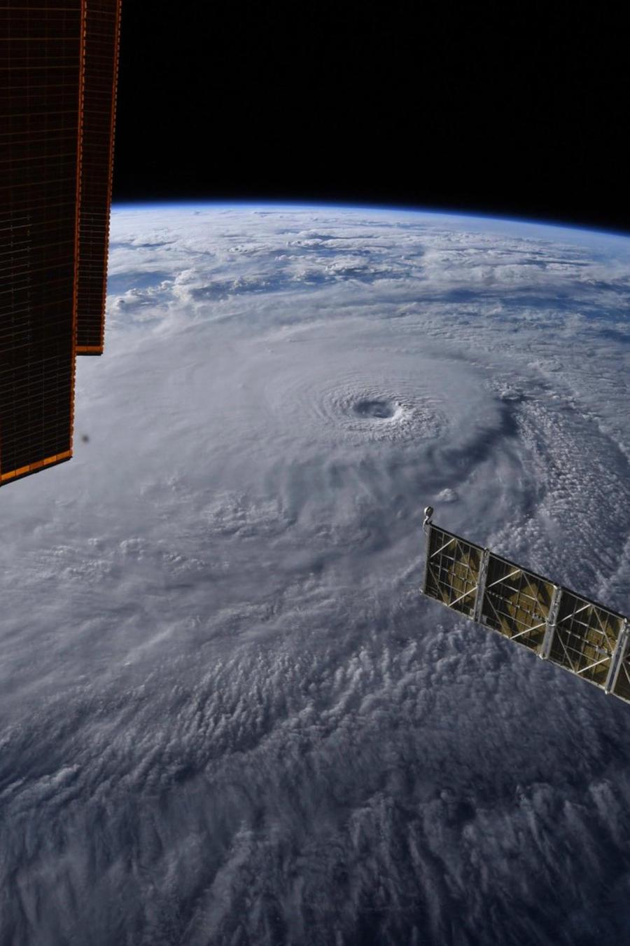 El huracán Lane visto desde el espacio