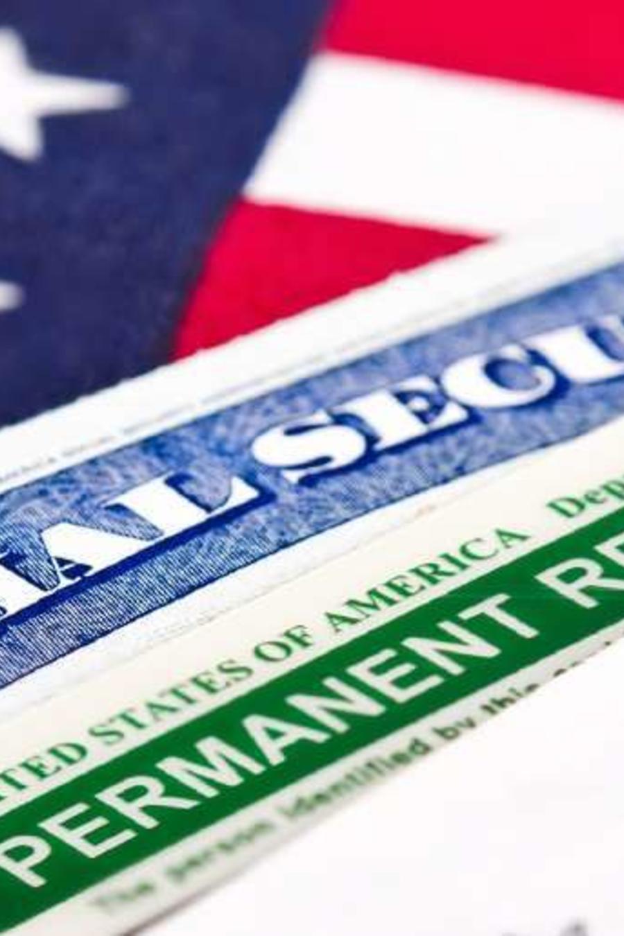 La Administración Trump impulsa varios cambios laborales que impactan a inmigrantes.
