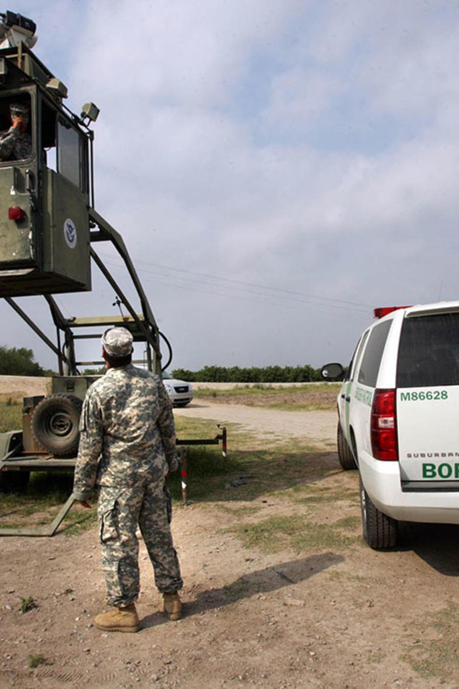 Agentes en la frontera en Texas, Estados Unidos.