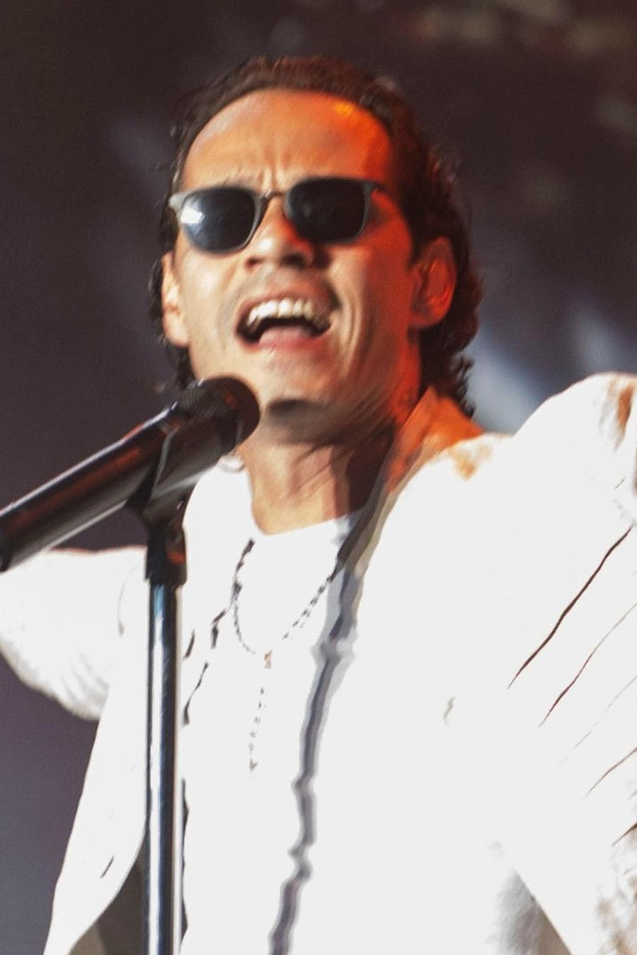 Marc Anthony singing