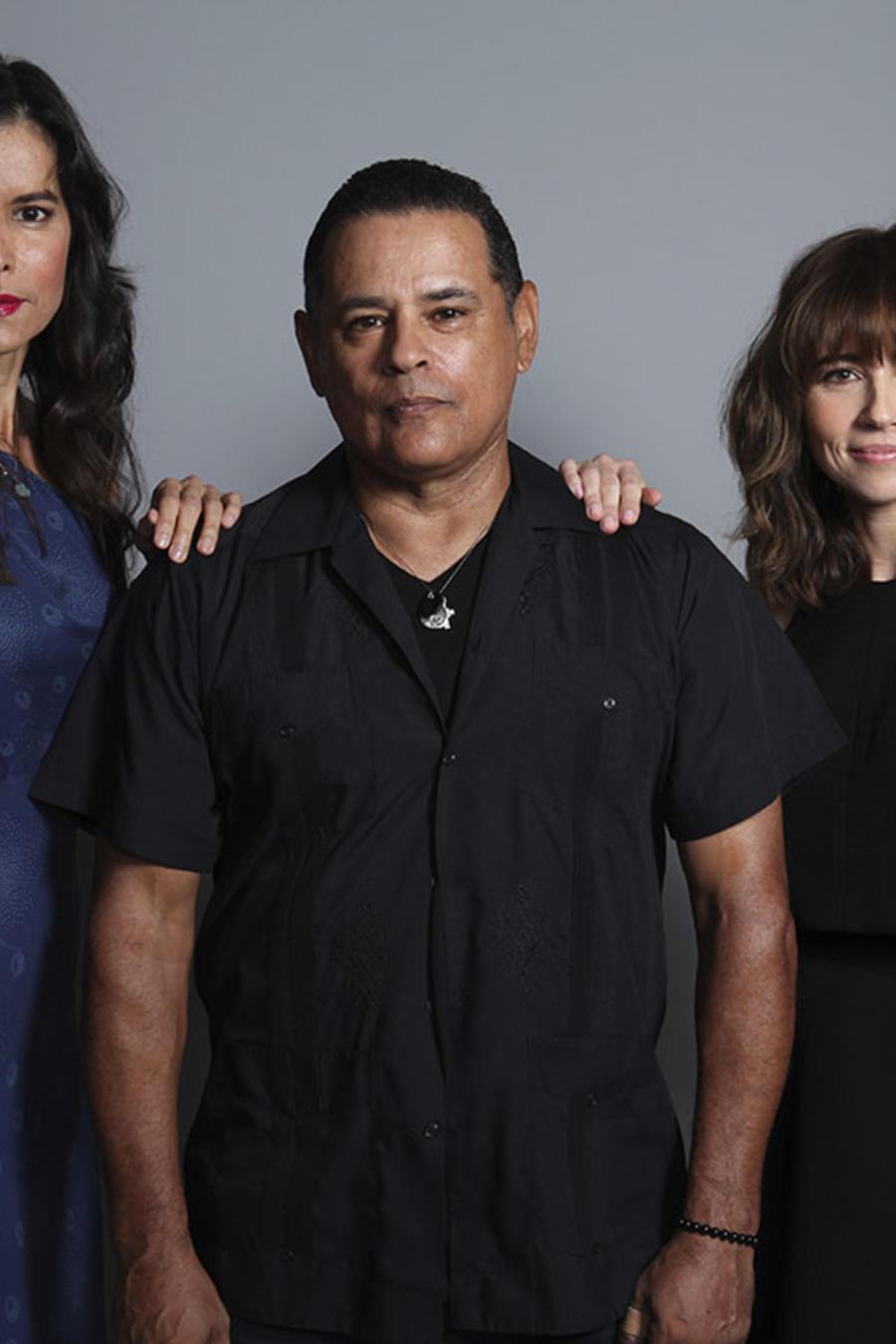 """Patricia Velasquez, Raymond Cruz, y Linda Cardellini protagonizan la cinta """"La maldición de La Llorona""""."""