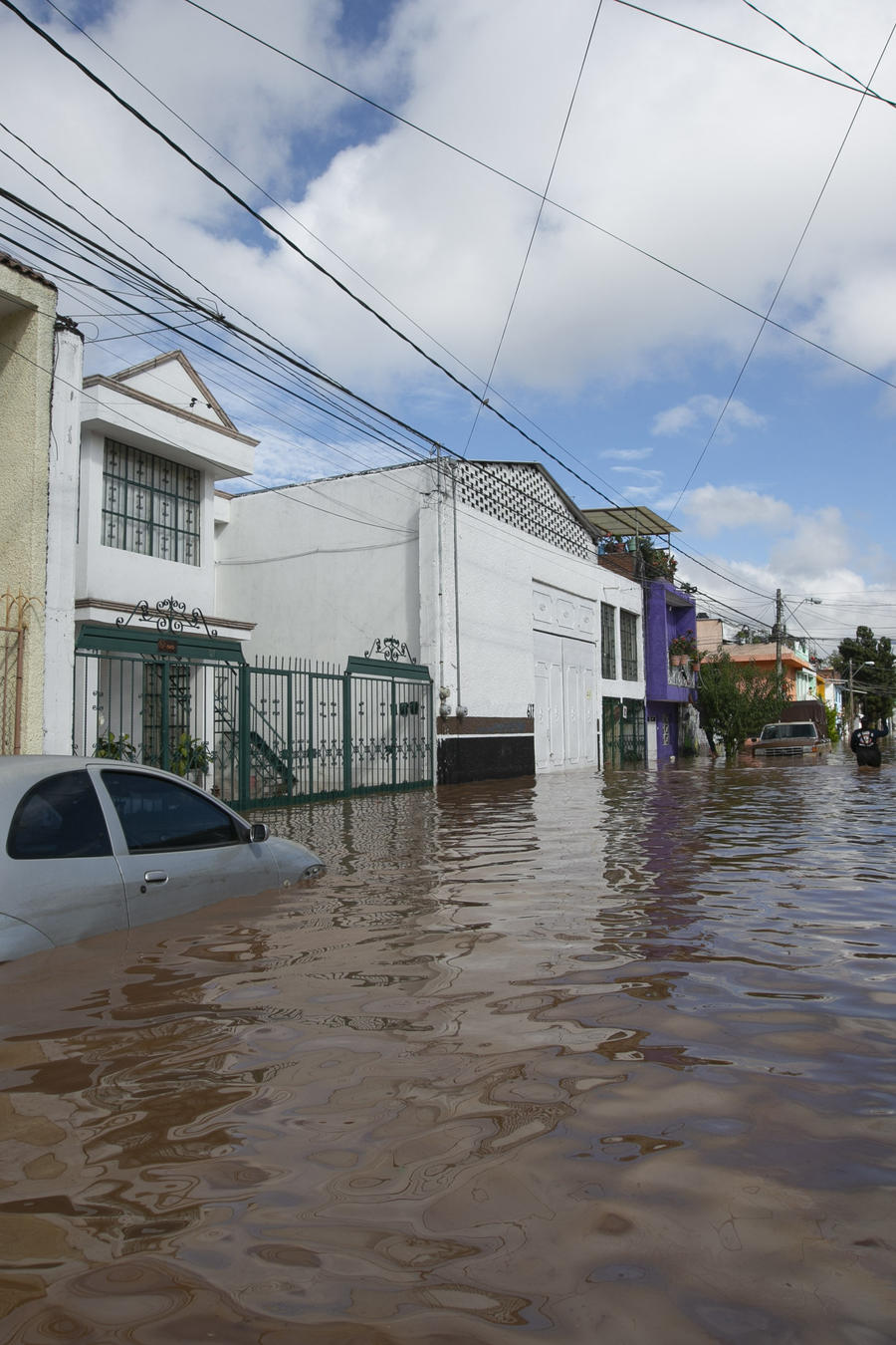 Vista general de las afectaciones de las tormentas generadas por el huracán Willa en el estado de Michoacán, México.