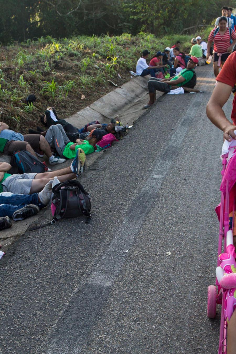 Caravana migrante en las carreteras de Chiapas