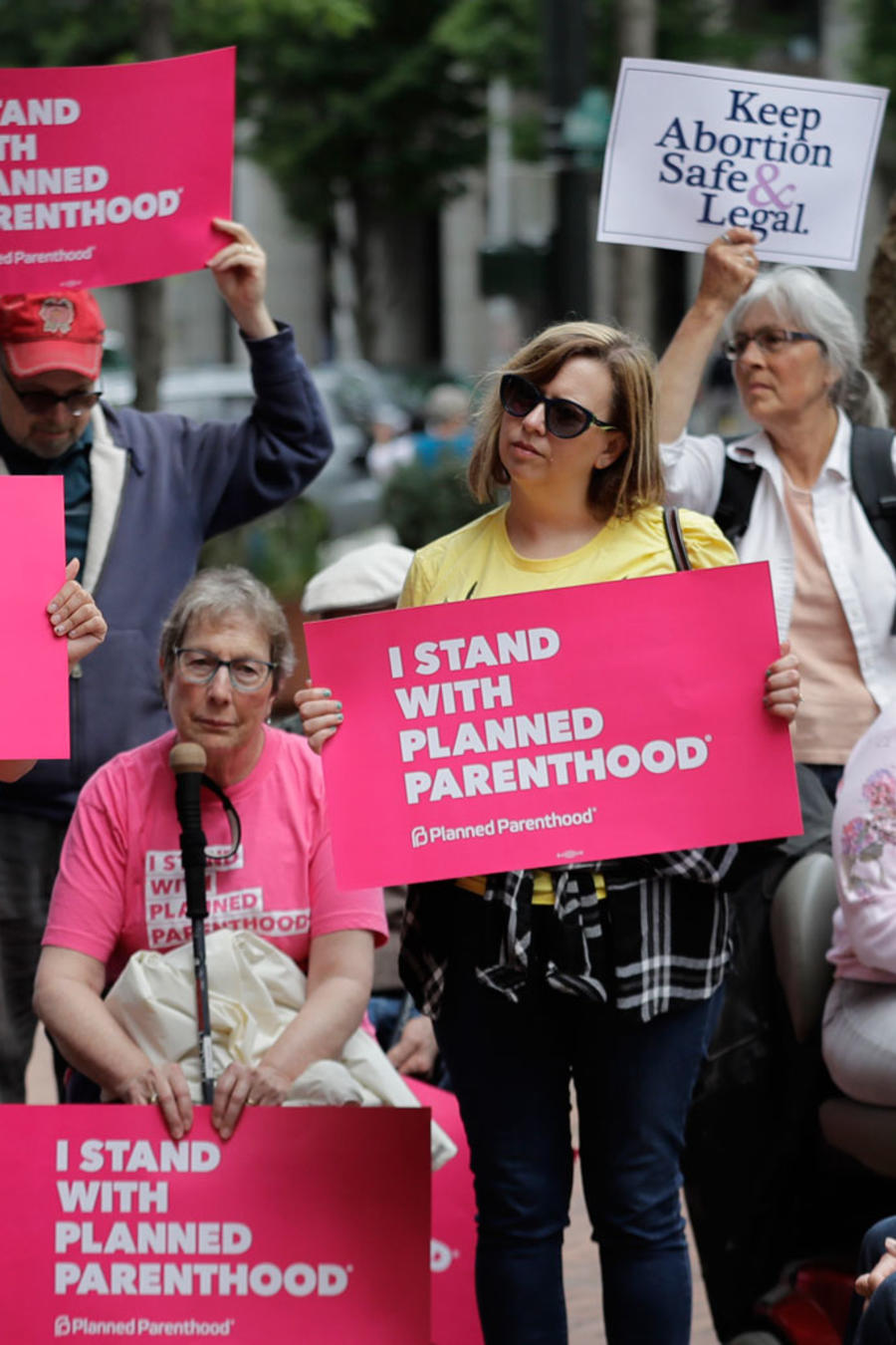 Manifestantes de Planned Parenthood contra el nombramiento de Brett Kavanaugh a la Corte Suprema en julio de 2018