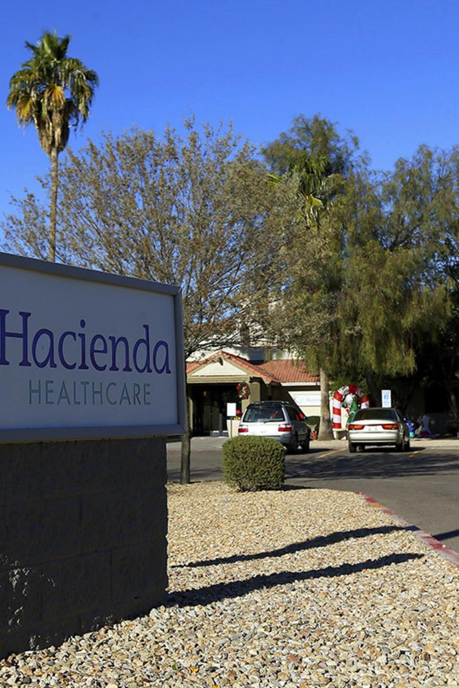 Entrada de la clínica de salud Hacienda HealthCare, en Phoenix, Arizona.