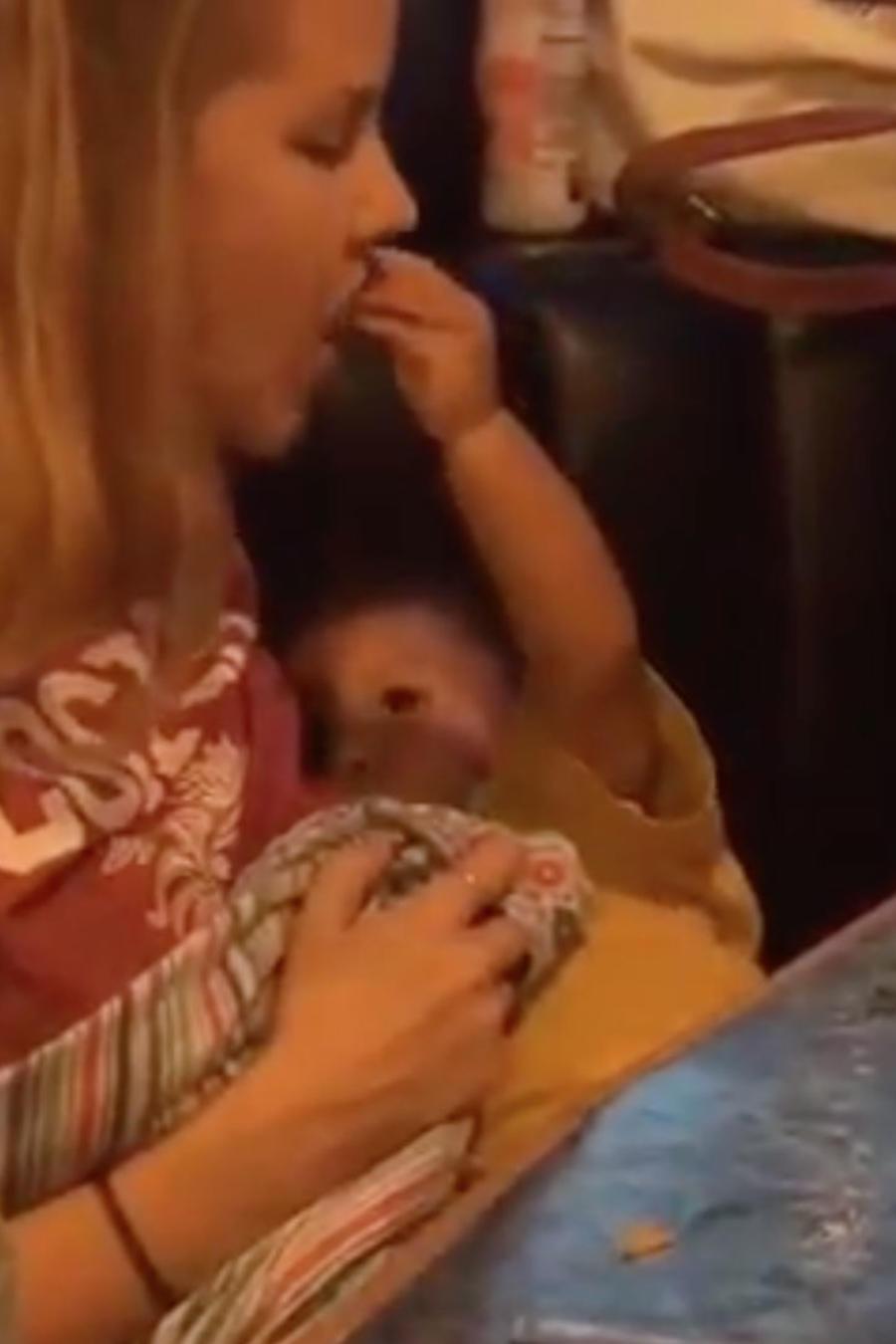 Mama y bebé se vuelven virales
