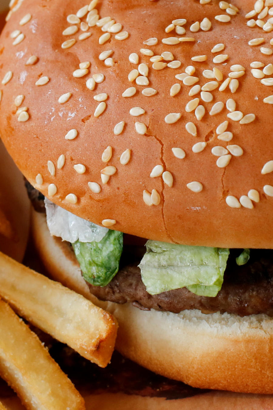 Una hamburguesa de la marca Burger King en una imagen de archivo