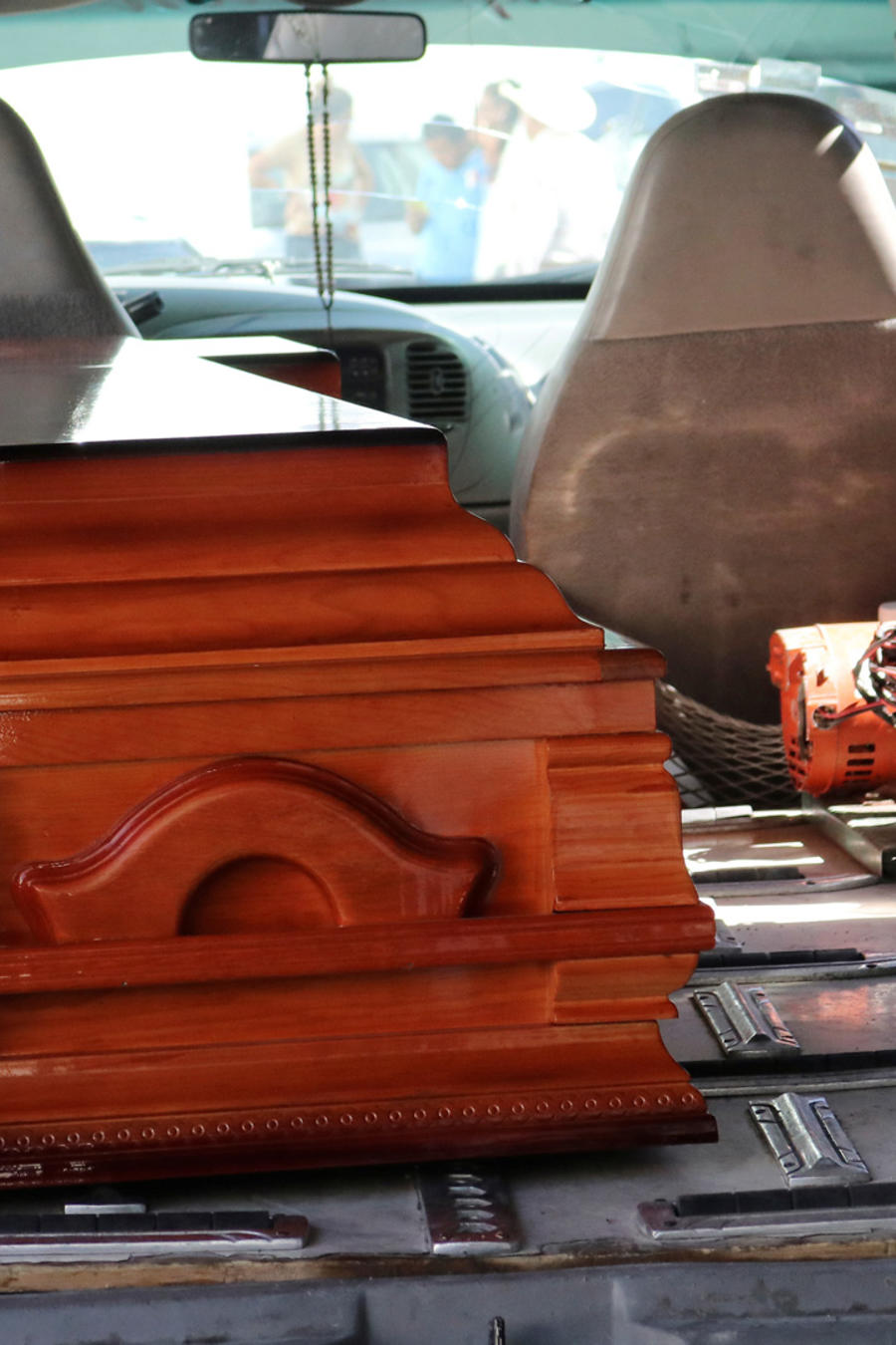 Féretro con los restos de Samir Flores activista asesinado