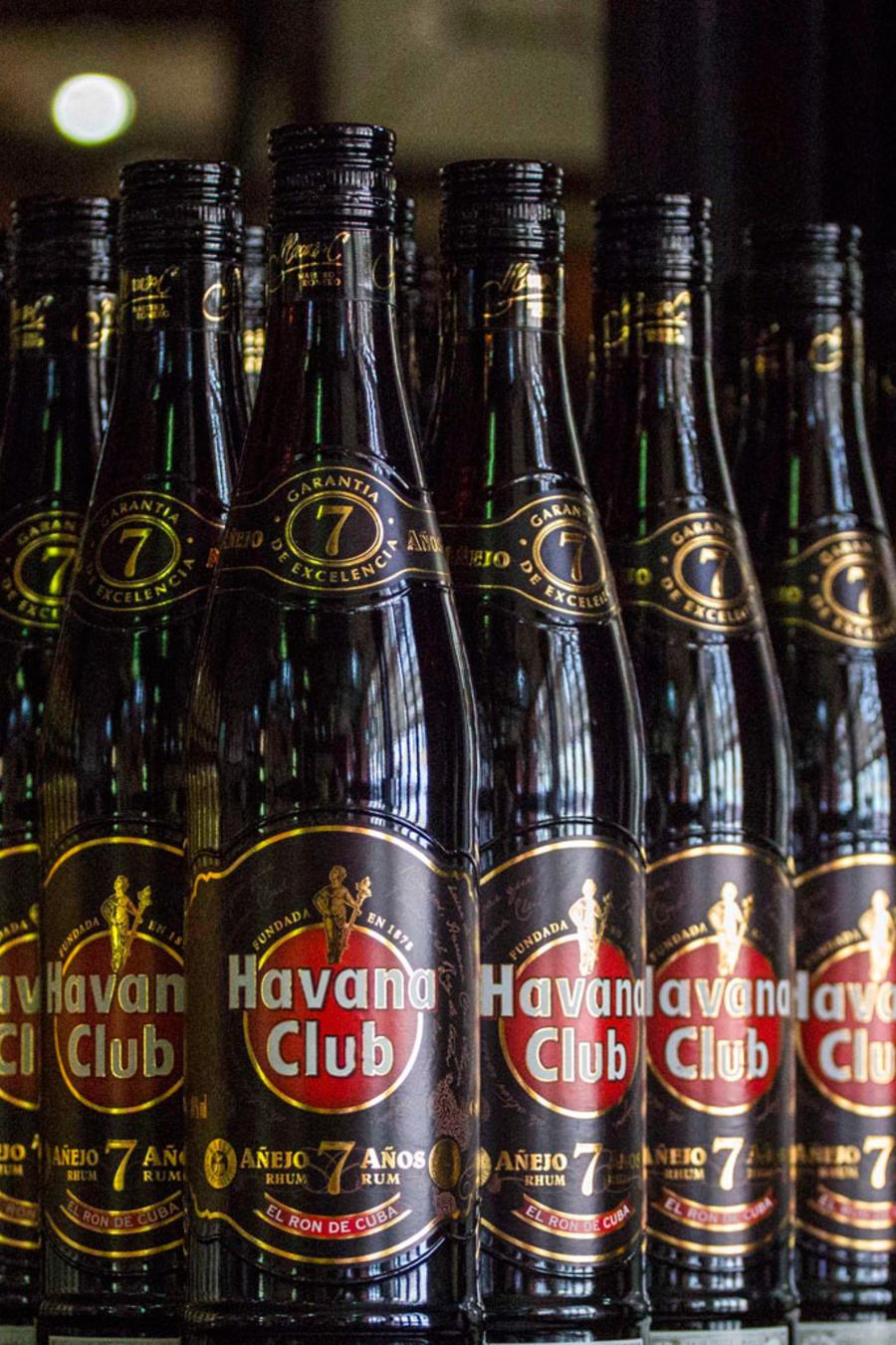 Botellas del ron Havana Club, sujeto a una disputa por derechos sobre la marca/AP