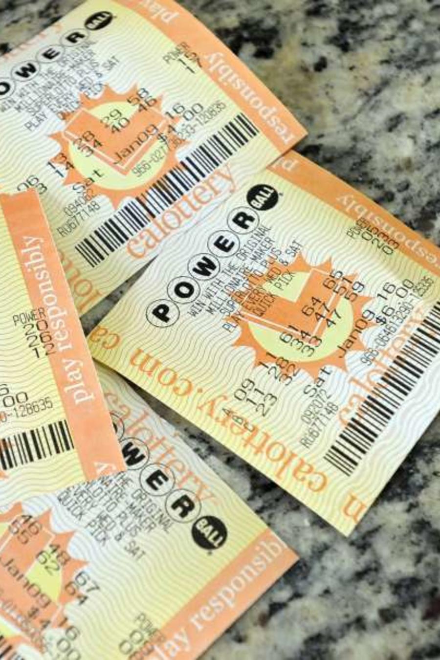 Hallan boleto de lotería que ganó $50,000