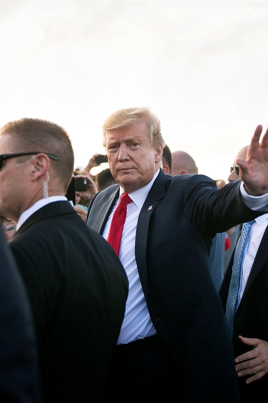 El presidente Donald Trump llega a Florida el viernes para pasar el fin de semana de Pascua en su club Mar-a-Lago. Al Drago / Reuters