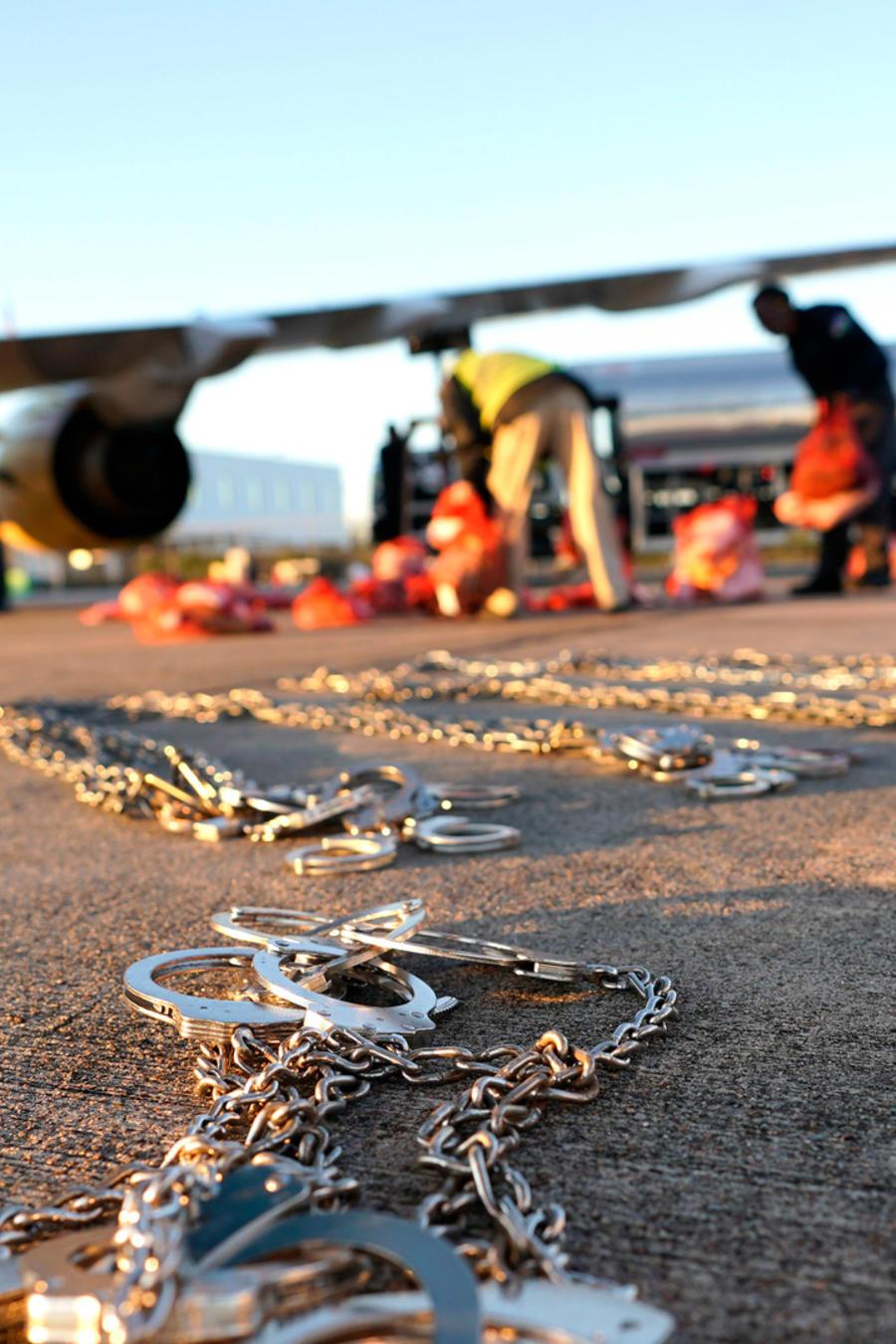 Avión con inmigrantes siendo trasladados en EEUU