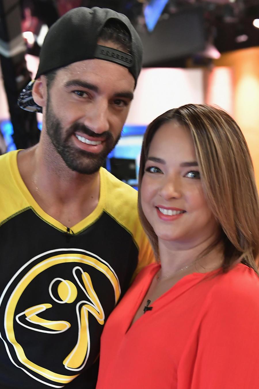 """Toni Costa con Adamari López en el programa """"Un Nuevo Día"""" el 27 de junio de 2017"""