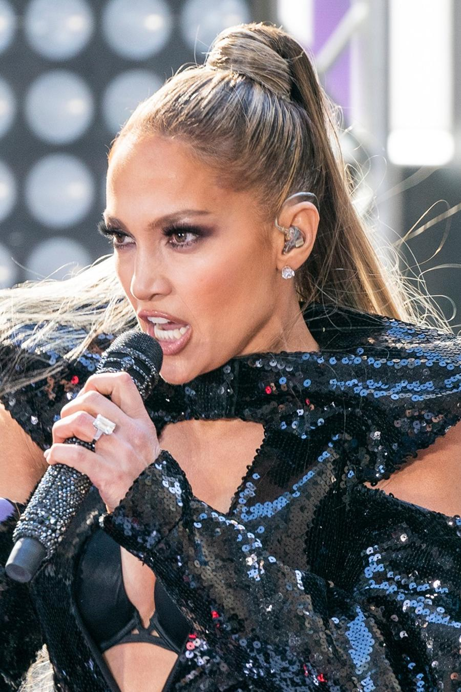 Jennifer Lopez performs at NBC Today Show