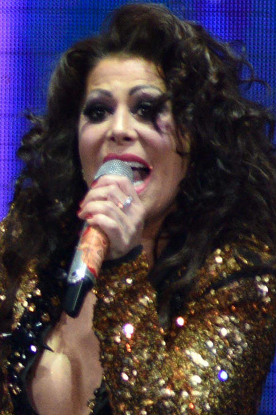 Alejandra Guzmán cantando en el VERSUS World Tour en Denver, Colorado, el 23 de marzo de 2018
