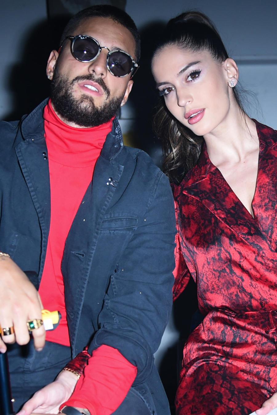 Maluma y Natalía Barulích en el evento John Elliott in Front Row en febrero de 2019