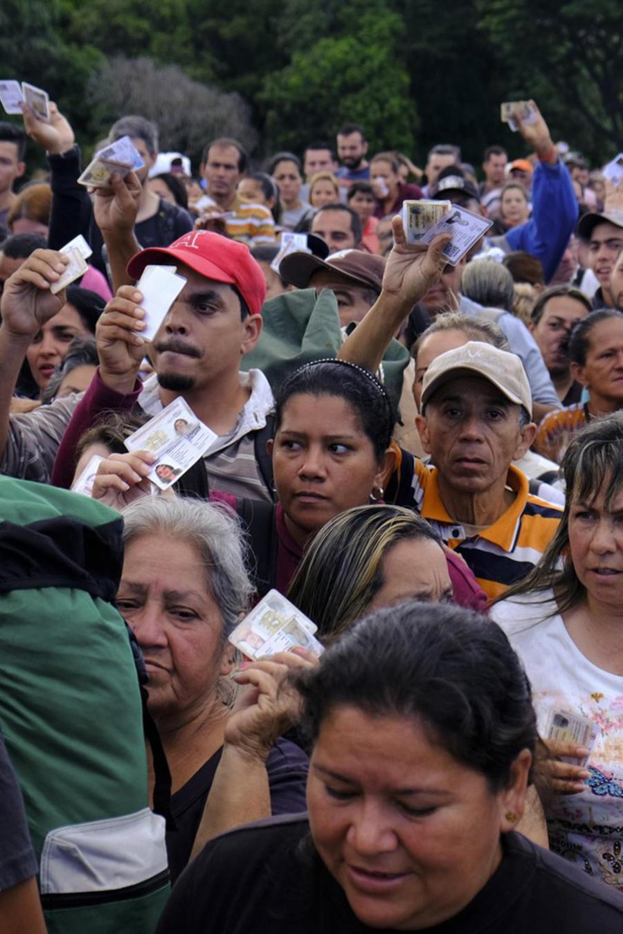 Venezolanos hoy en la frontera entre Venezuela y Colombia