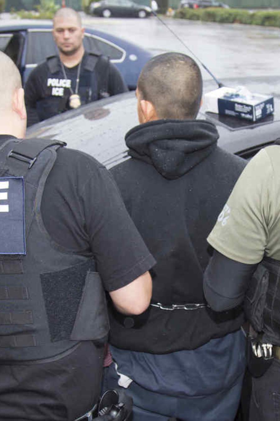 Imagen de archivo de un arresto de ICE en enero de 2017.