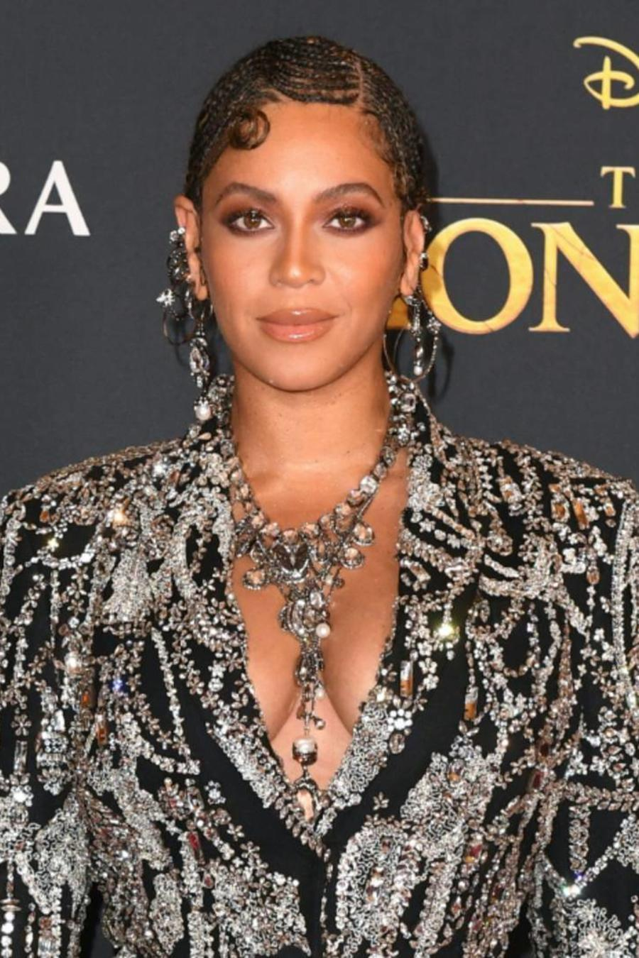 "Beyoncé en la alfombra roja de ""The Lion King"""