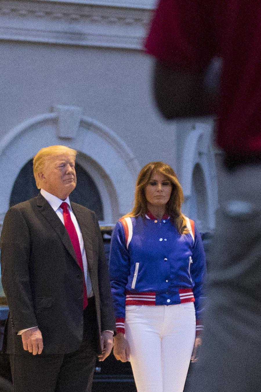 Trump y su poesa durante un evento en su club de golf en  West Palm Beach (Florida) en febrero de 2018.