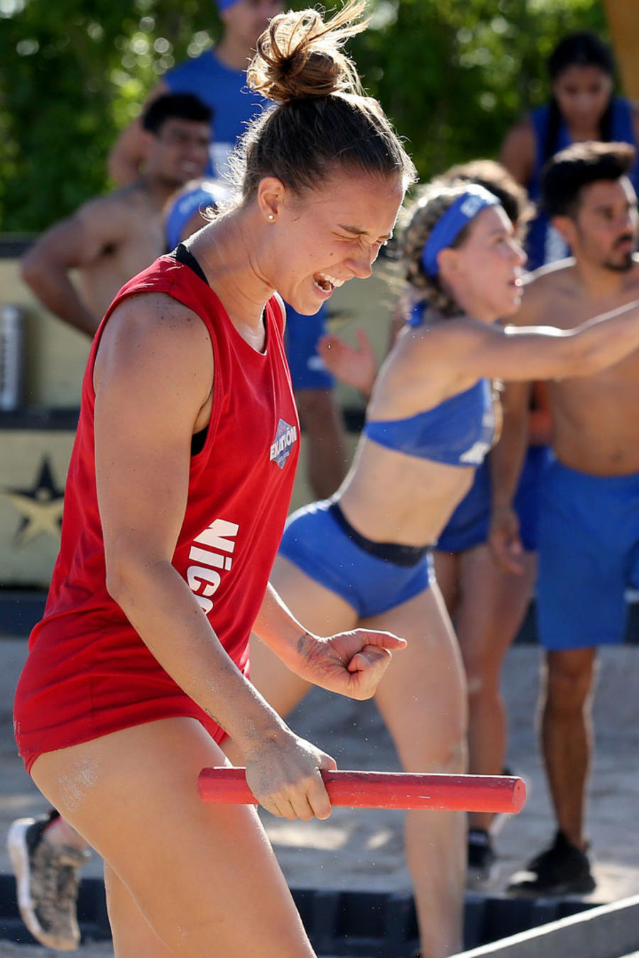 Nicole Regnier festeja victoria sobre Mónica Segovia