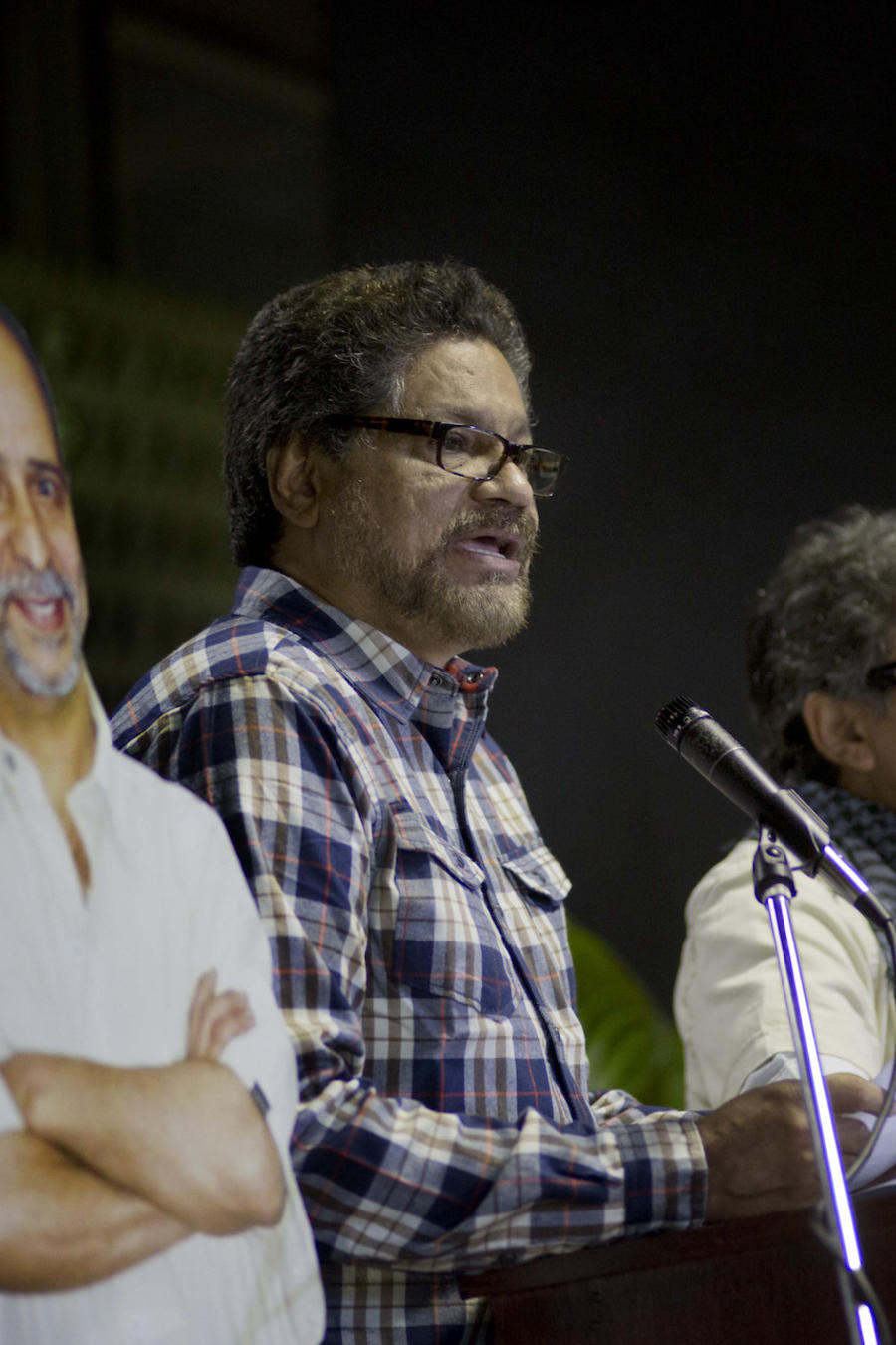 "Imagen de archivo de Seuxis Pausias Hernández, alias ""Jesús Santrich"", y Luciano Marin Arango, alias ""Iván Márquez""."