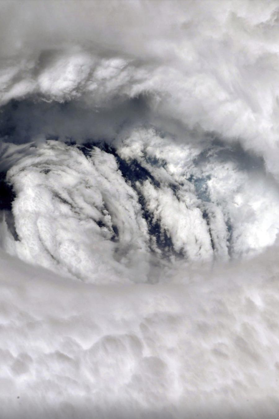 Fotografía de archivo del ojo del huracán Dorian