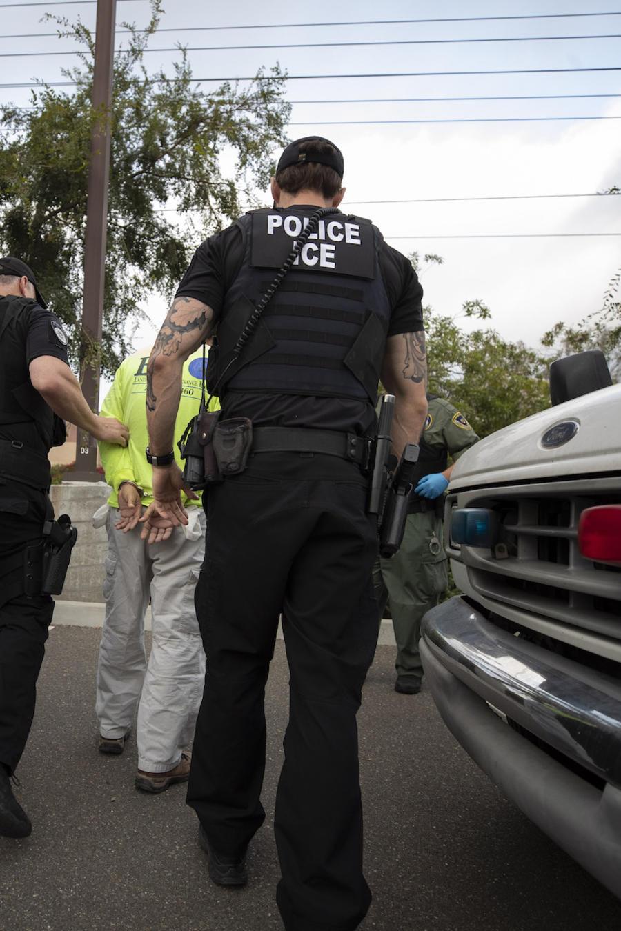 Imagen de archivo de agentes del Servicio de Inmigración y Control de Aduanas (ICE).