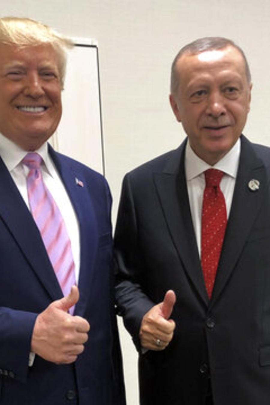 El presidente, Donald Trump, y el mandatario truco, Recep, Tayyip Erdogan, en un encuentro del pasado junio en Osaka, Japón.