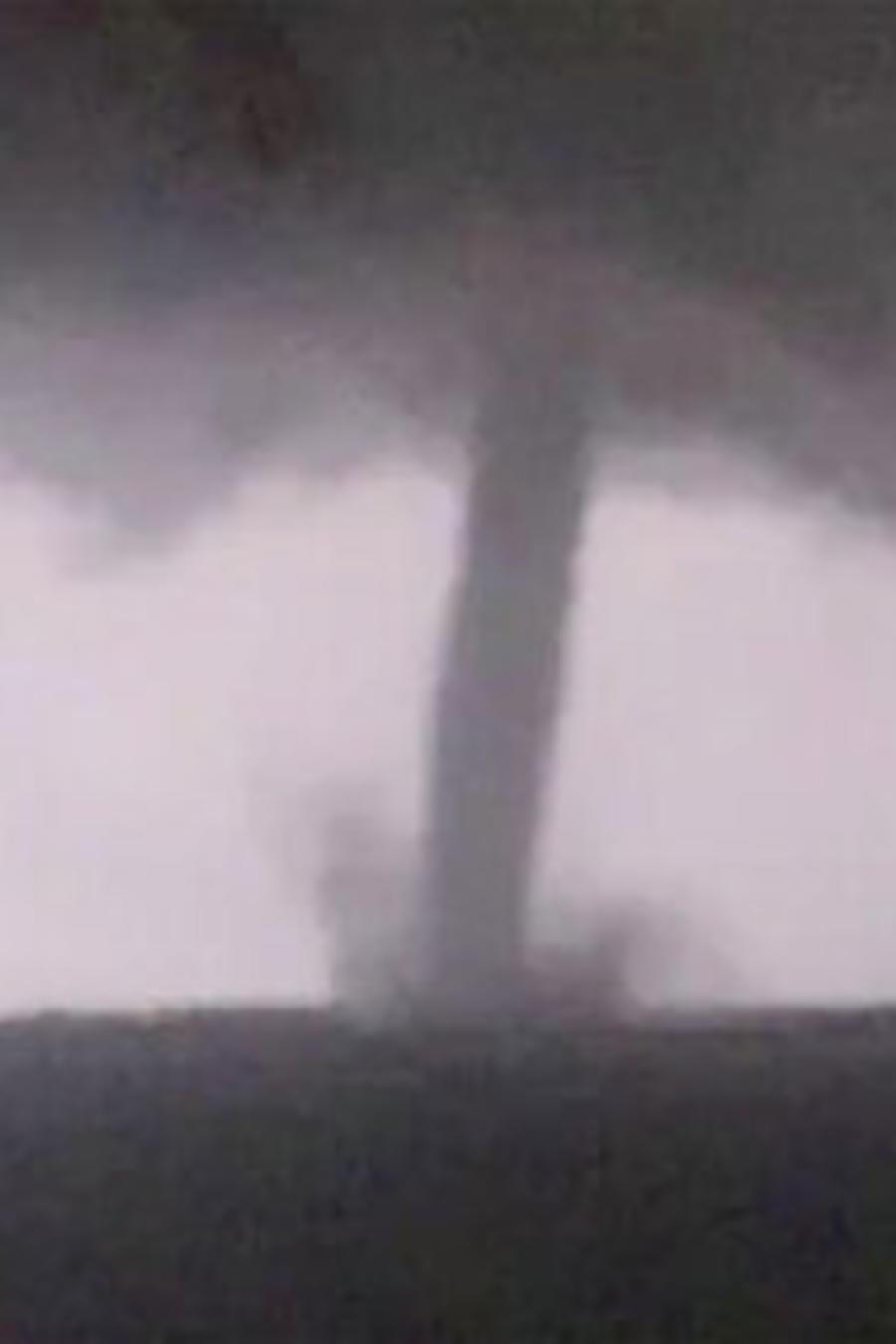 Imagen del tornado que golpeó este domingo Dallas, Texas.