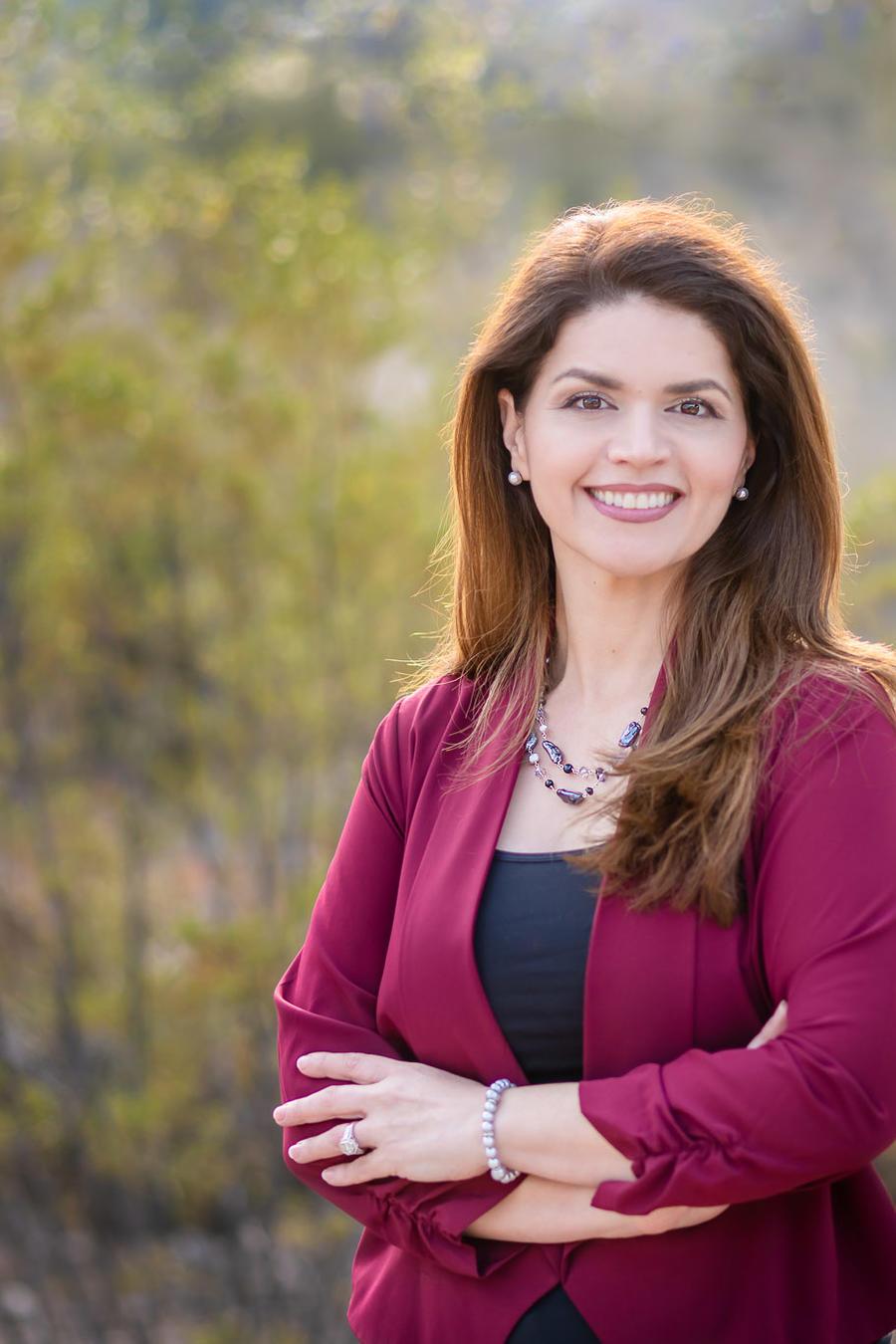 La mexicoamericana Regina Romero va camino de convertirse en la primera mujer y primer latina en ocupar la alcaldía de Tucson en toda su historia
