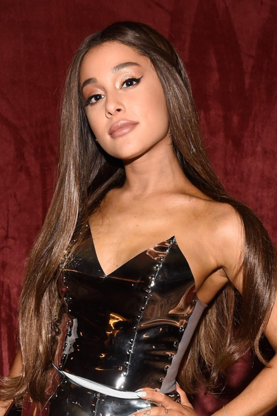 Ariana Grande at MTV awards