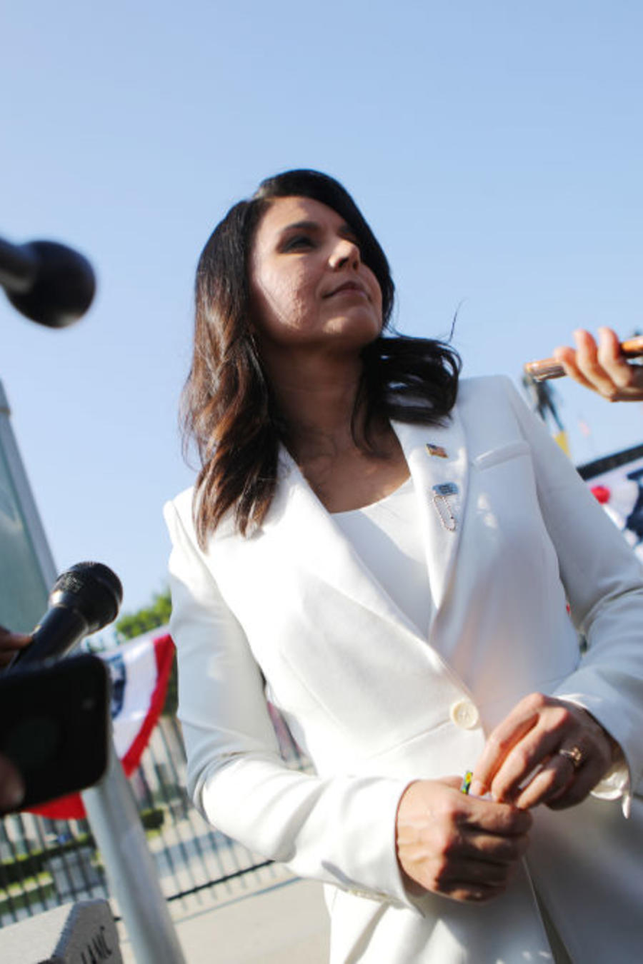Presidential Candidate Rep. Tulsi Gabbard Attends Los Angeles Veterans Day Service