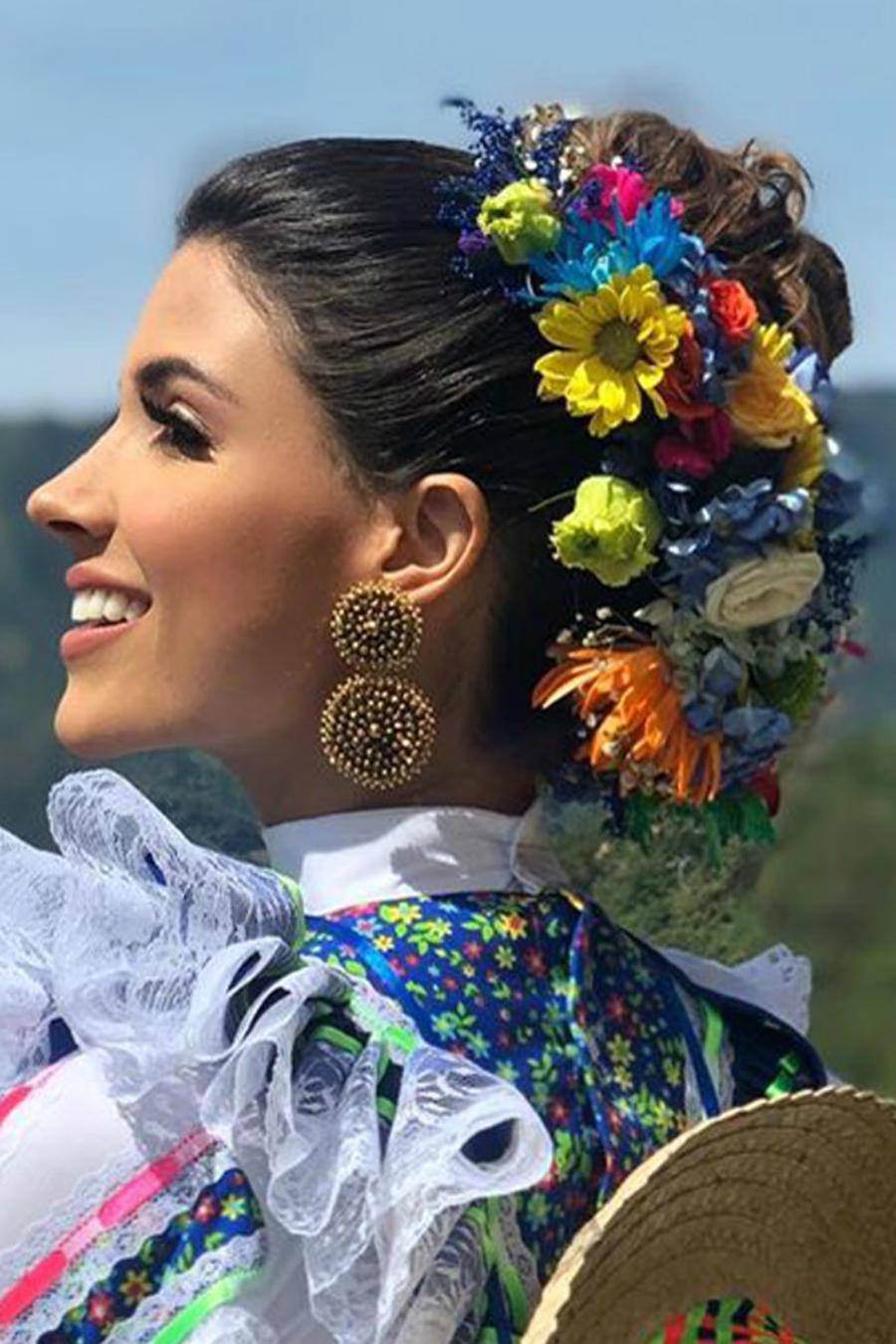 Gabriela Tafur Nader, Miss Colombia 2019, Miss Universo 2019 con traje típíco