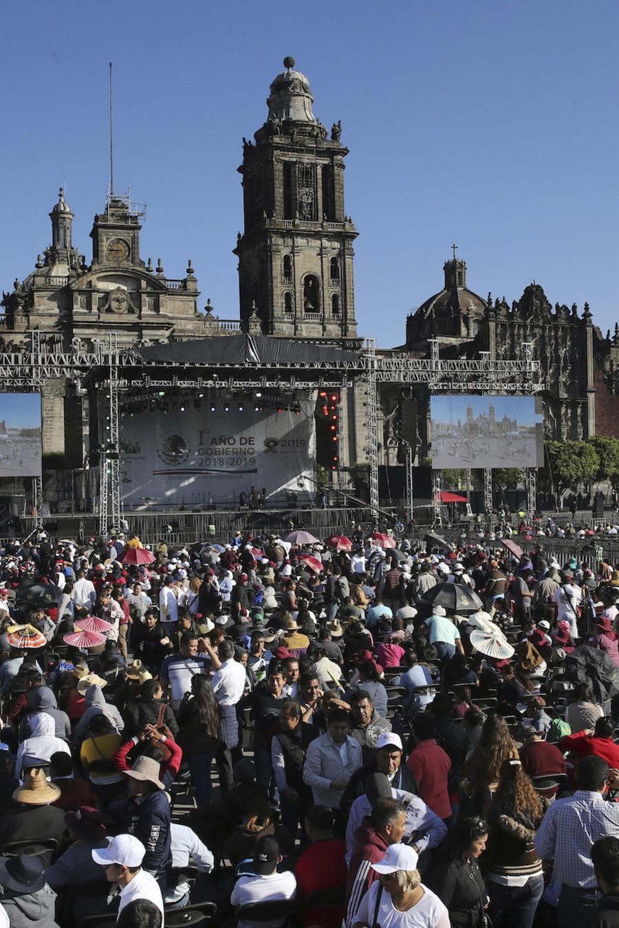 Acto político de López Obrador este domingo en el Zócalo de la Ciudad de México.