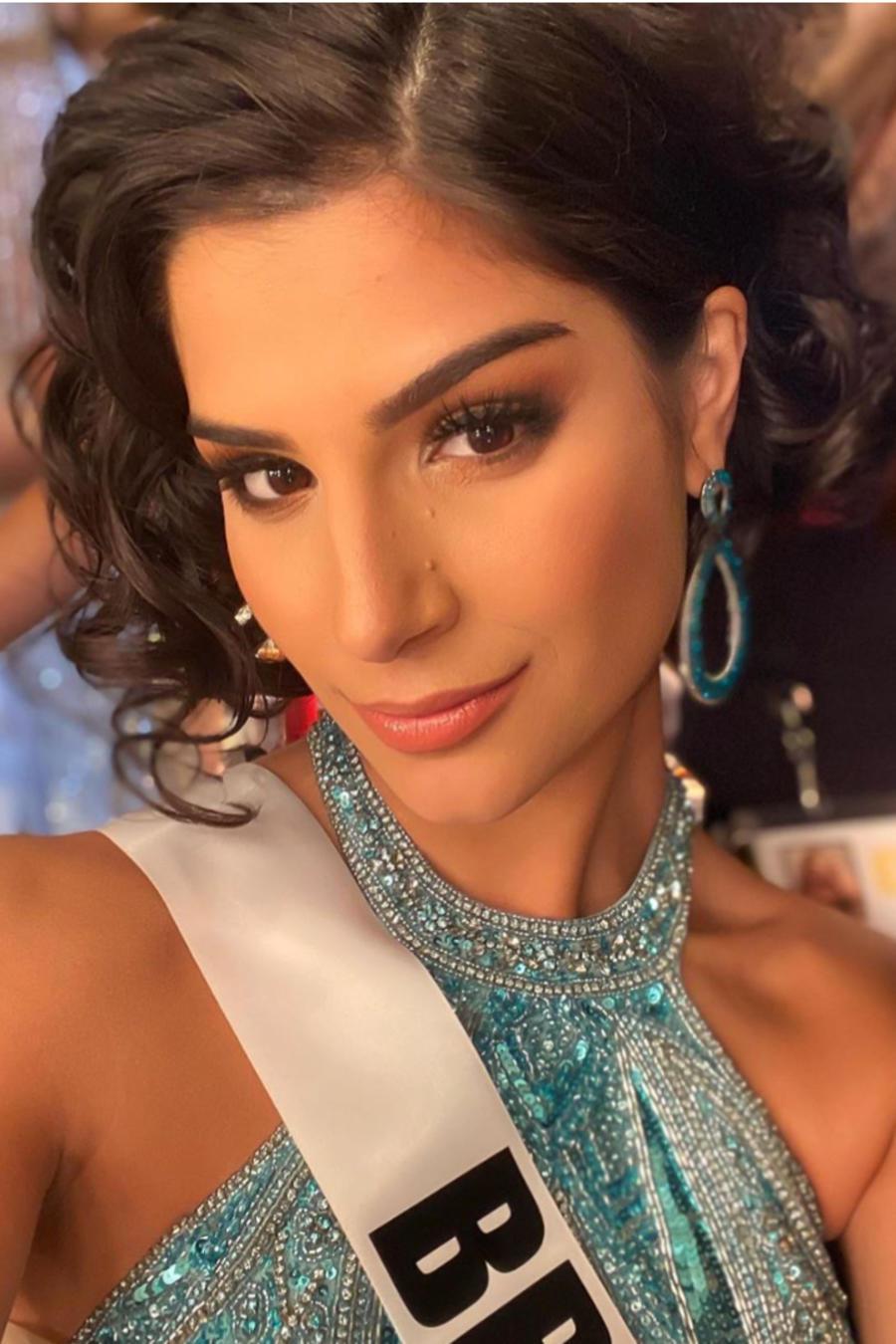 Júlia Horta, Mis Brasil 2019 y Vichitta Phonevilay, Miss Laos 2019