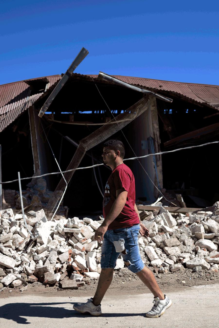 Casas dañadas durante el sismo magnitud 6.4 en Guánica, Puerto Rico.