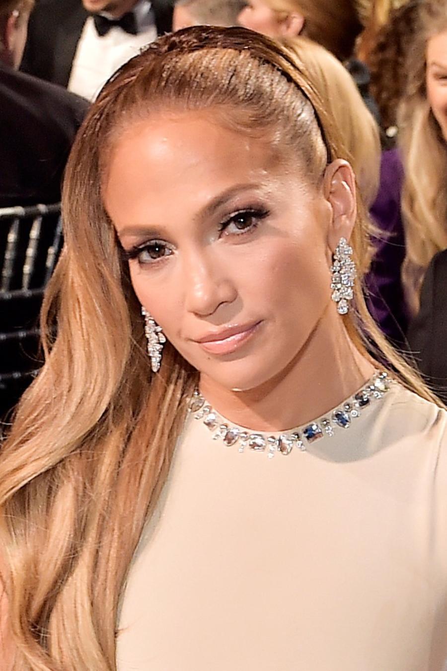 Jennifer Lopez at award show
