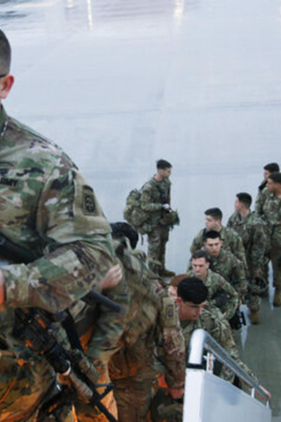 Miembros de la primera brigada de combate de la 82ª División Aerotransportada antes de partir para Oriente Medio.