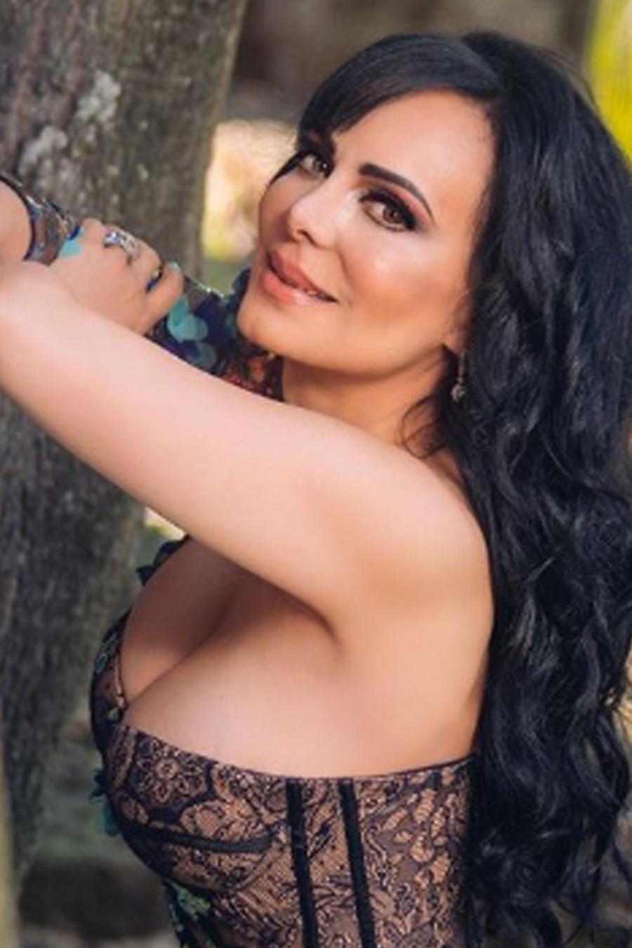 Maribel Guardia con atuendo sexy