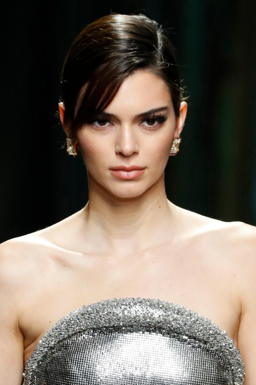 Kendall Jenner en desfile de Versace