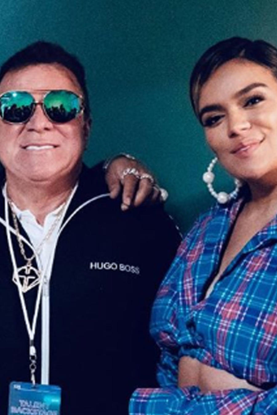 Karol G con su papá muy felices
