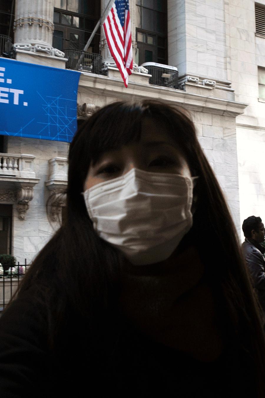 El coronavirus, junto con una guerra de precios por el petróleo, ha afectado la economía mundial.