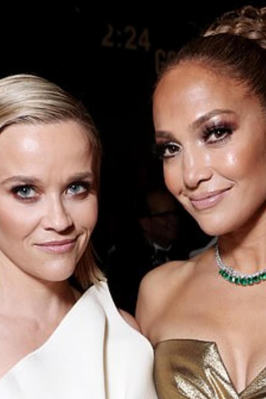 Jennifer Lopez y Reese Witherspoon en los Golden Globes 2020
