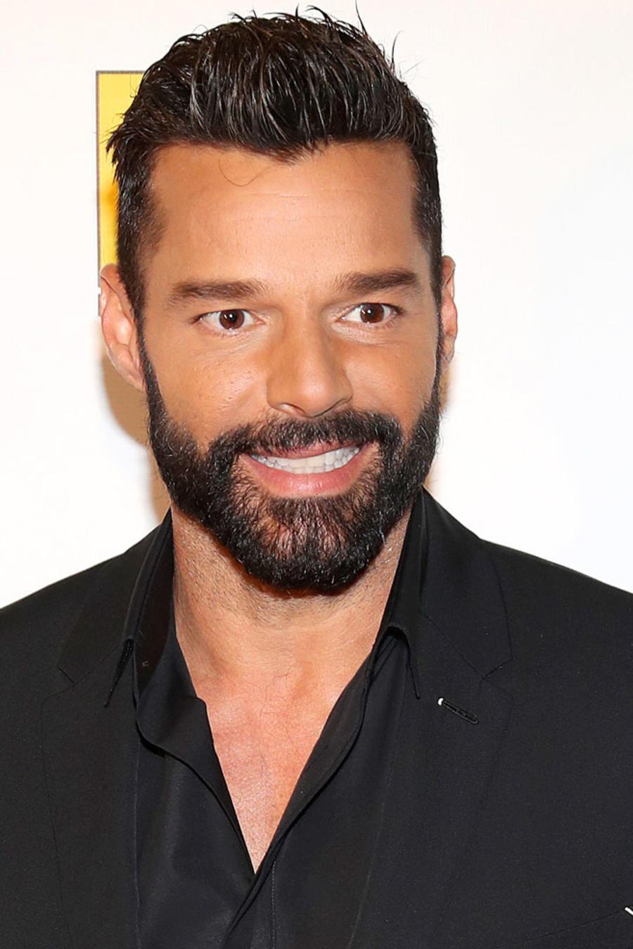Ricky Martin posando