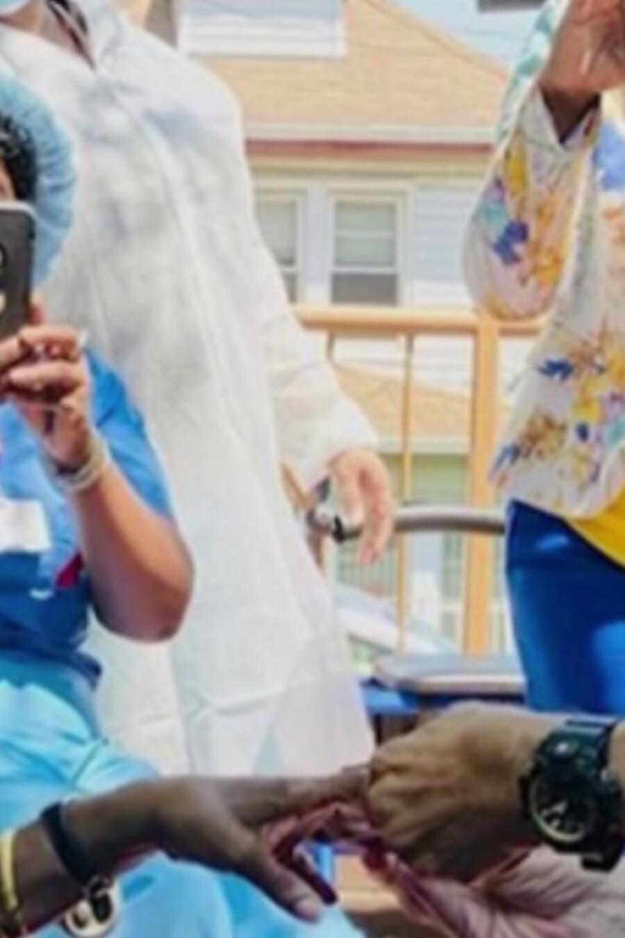 abuelo matrimonio brooklyn novia coronavirus